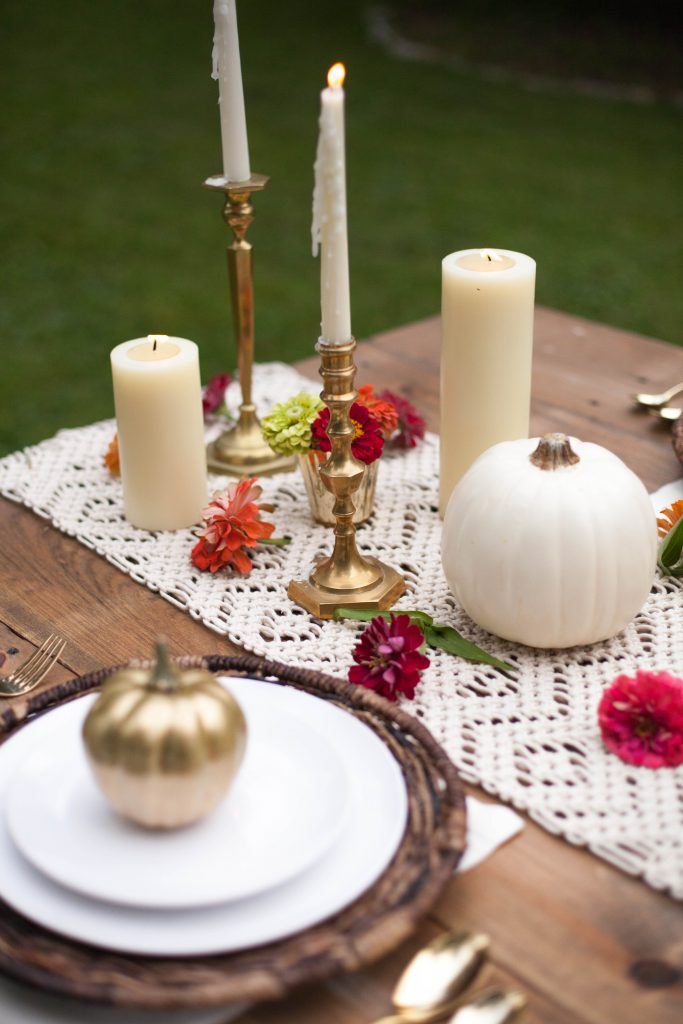 Get these easy to follow Tips for a Fall Farmhouse Tablescape that rivals a professional magazine Tablescape