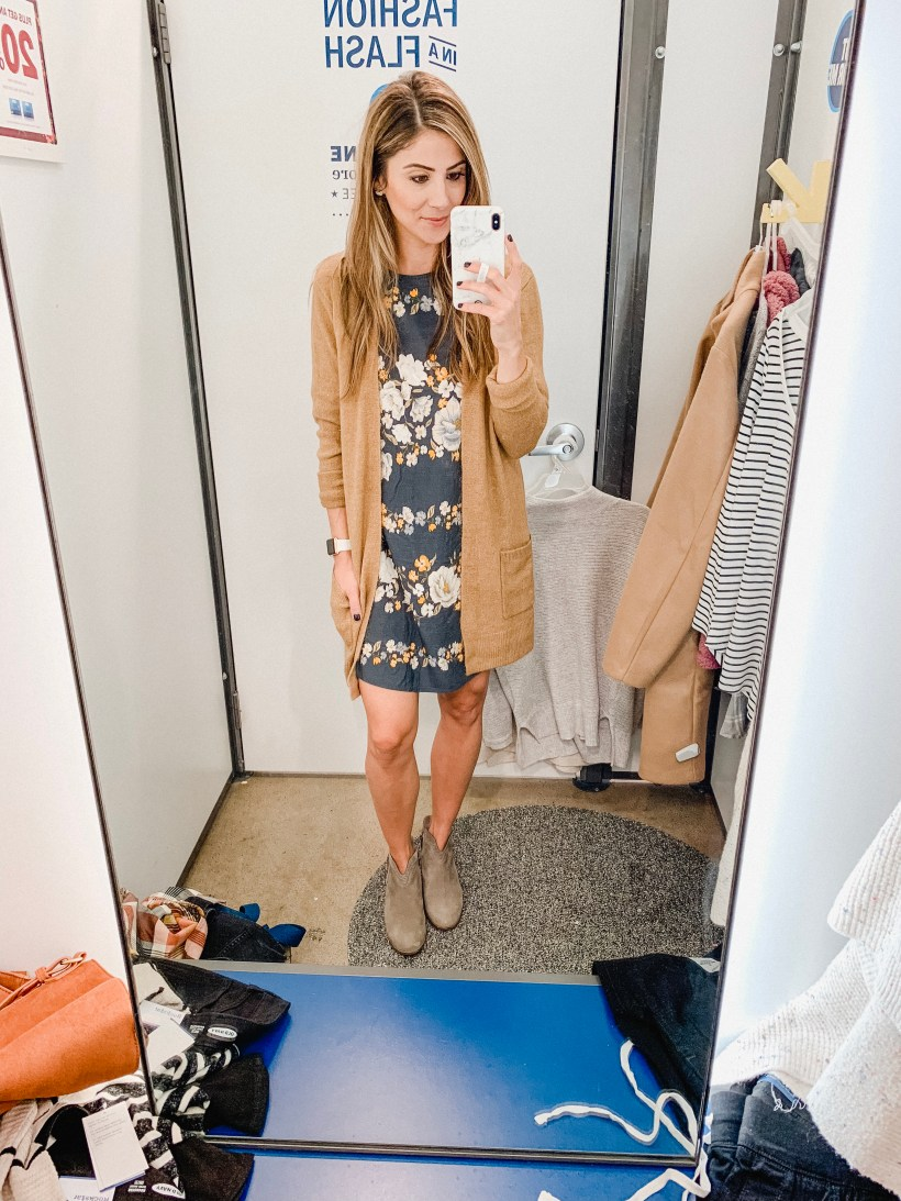 Connecticut life and style blogger Lauren McBride shares a fall Old Navy try-on session featuring a capsule wardrobe for October.