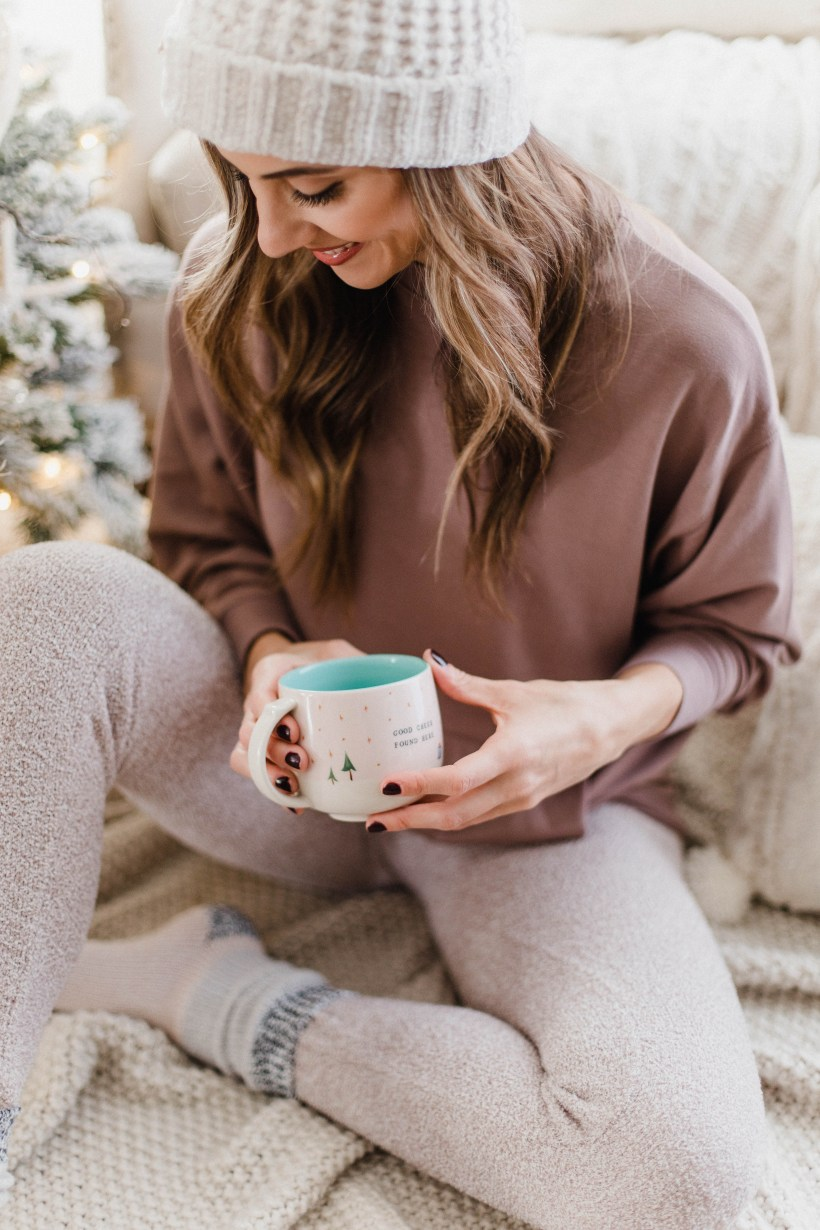 Connecticut life and style blogger Lauren McBride shares some cozy holiday loungewear and where to find it during Express's Black Friday Sale.