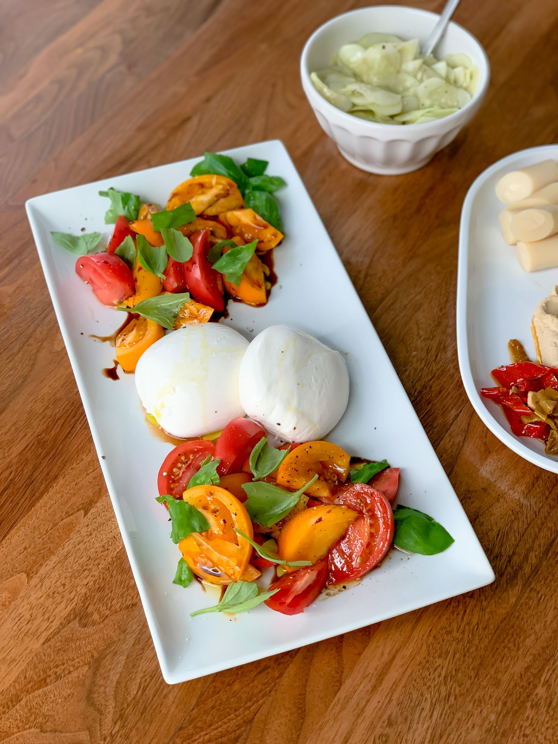 tomato salad - burrata - summer salad Inspiration - Lauren Schwaiger Healthy Lifestyle Blog