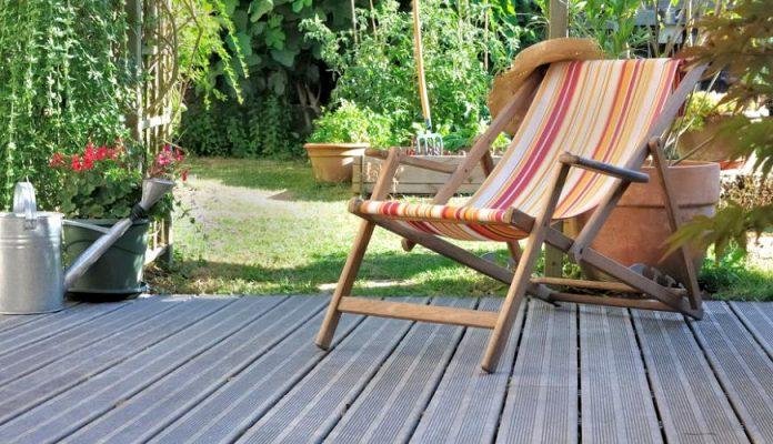 Nettoyer Une Terrasse En Bois Qui A Verdi 4 Astuces