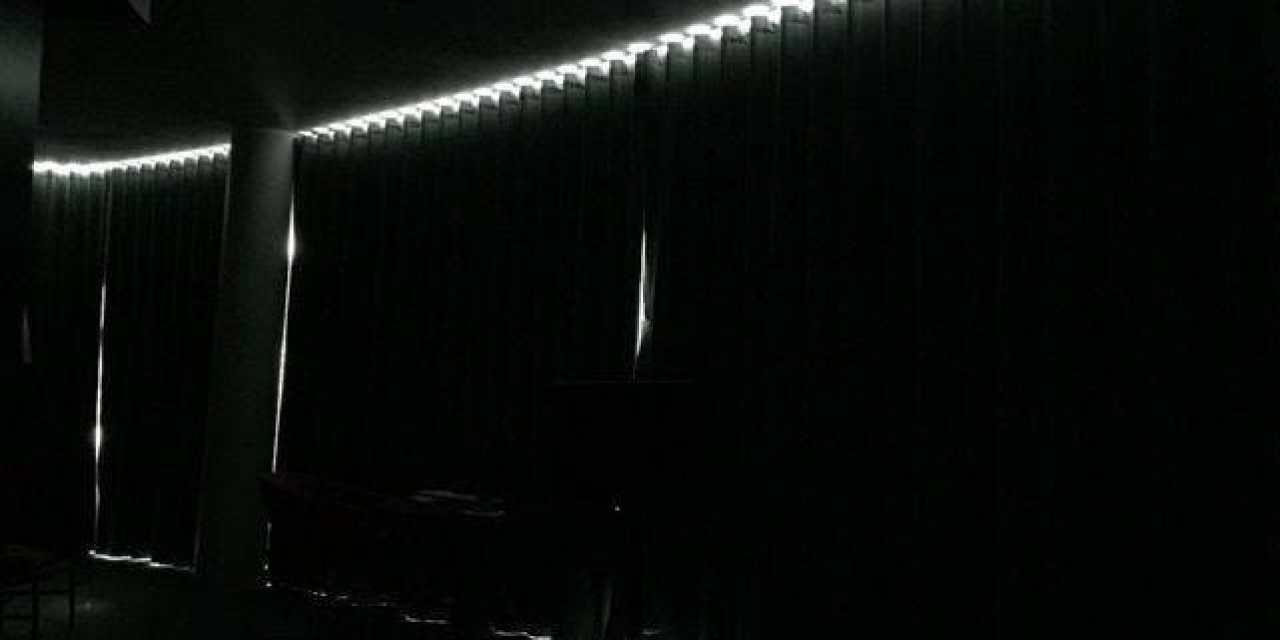 Le noir dans la chambre