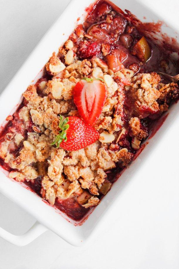 Strawberry-Pear Breakfast Crisp (Vegan)