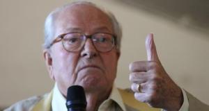Jean-Marie Le Pen aime les seins de Nabilla