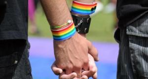 Un « détecteur de gays » à la frontière pour les empêcher d'entrer