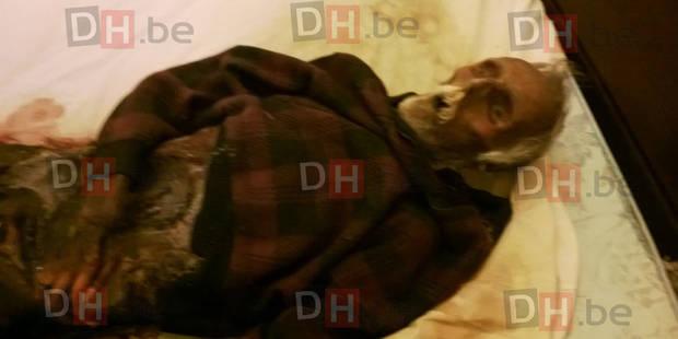 Elle dormait avec le corps de son mari en décomposition depuis un an