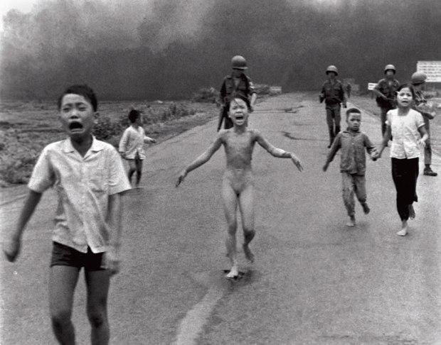 Kim, la jeune vietnamienne fuyant une bombe au Napalm lors de la guerre du Vietnam