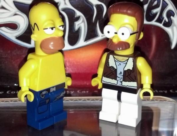 Homer Simpson et Ned Flanders