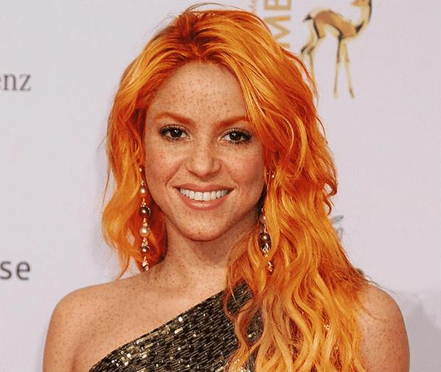 Shakira rousse