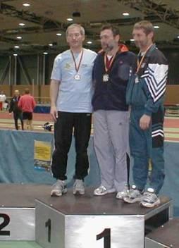 Deutsche Hallenmeisterschaften Potsdam 2004 Zweifacher Vizemeister über die 60 und 200m M50 Jürgen Umann, links