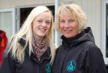 Anne Müller (li.) und Silvia Rimkus waren zwei der Kampfrichterinnen und Kampfrichter, die für den gelungenen Ablauf der Kreismeisterschaften in Zeven sorgten.