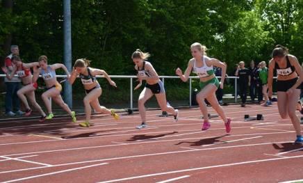 zi14: 100m-Finale der weiblichen Jugend U18. Victoria Dönicke (Nr. 836, SV Halle e.V.) kam mit einer Zeit von 12,06 sec auf den ersten Platz.