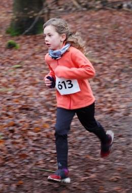 Zi07: Flott unterwegs war erneut Solja Brandt, welche auch beim Lauf in der Zevener Ahe ihre Konkurrentinnen hinter sich ließ.