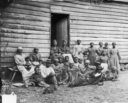 Un grupo de antiguos esclavos fotografiado en Cumberland Landing, Virginia, en torno a 1850