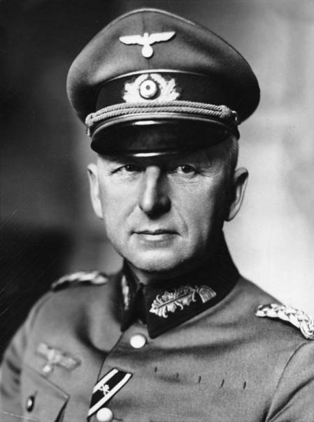 Retrato de Erich von Manstein.