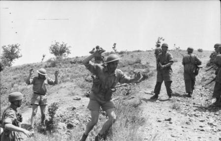 Soldados británicos capturados.