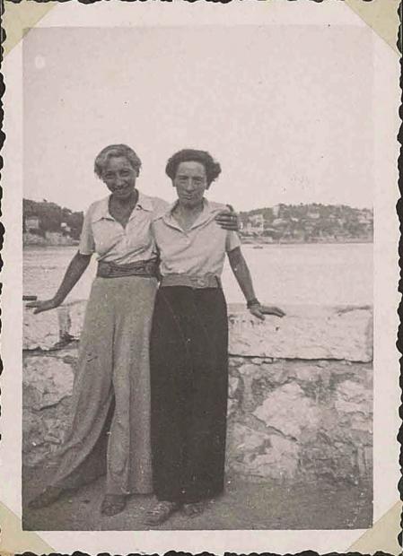Chawa Złoczower y Hella Olstein en Francia en 1934