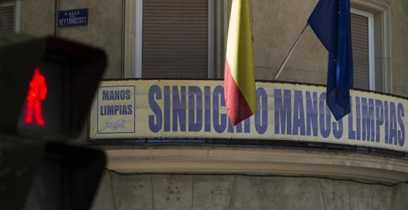 Fachada de la sede de Manos Limpias en Madrid