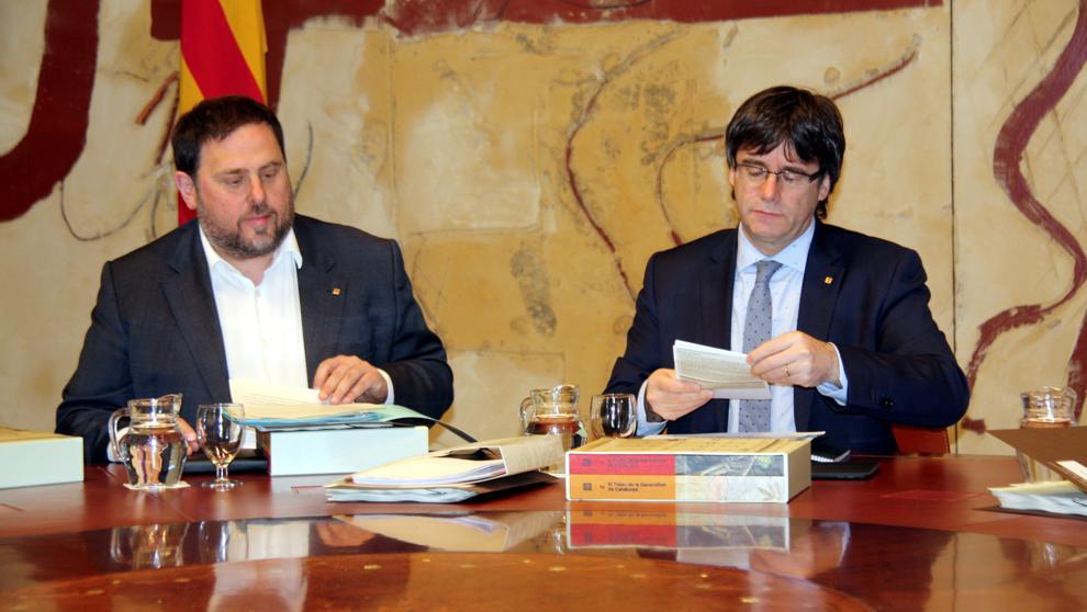 """Puigdemont dice que no habrá consulta sobre BCN World si hay """"consenso"""" con el proyecto"""