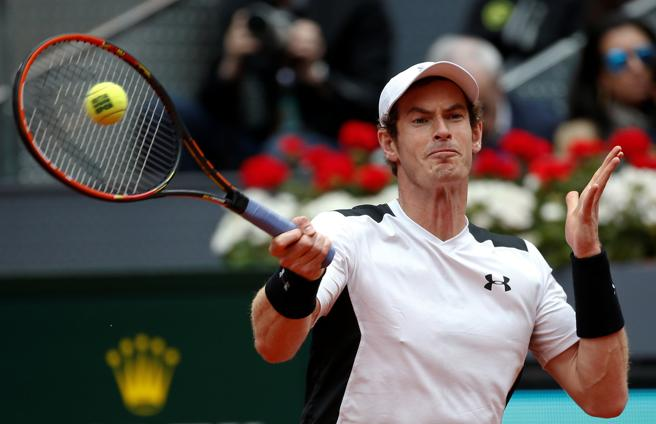 Andy Murray golepa una bola ante Rafa Nadal
