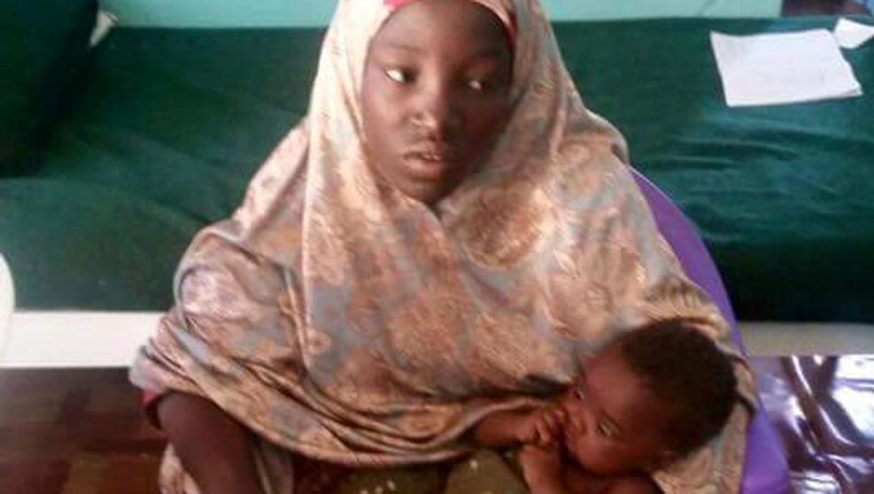 Encontrada una de las niñas secuestradas por Boko Haram, traumatizada y con un bebé