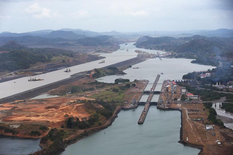 Sacyr admite que las obras del canal de Panamá son deficitarias