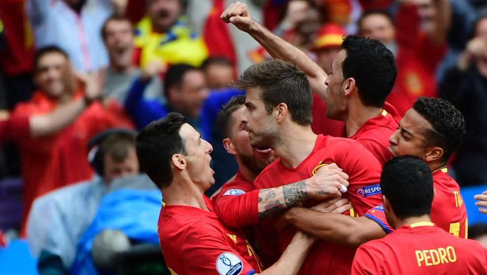 El gol salvador Piqué ante la República Checa