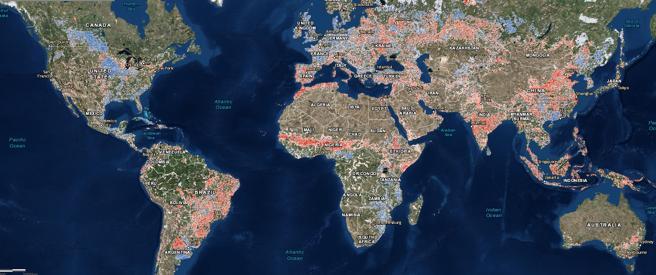 Mapamundi de la evolución de la huella humana en el planeta; las zonas en rojo muestran aumentos en el impacto ambiental y las azules, descensos