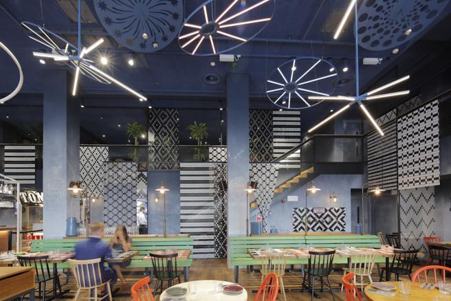 El restaurante Bella Vista Jardín del Norte pretende recrear un pueblo con sus fuegos artificiales en fiestas