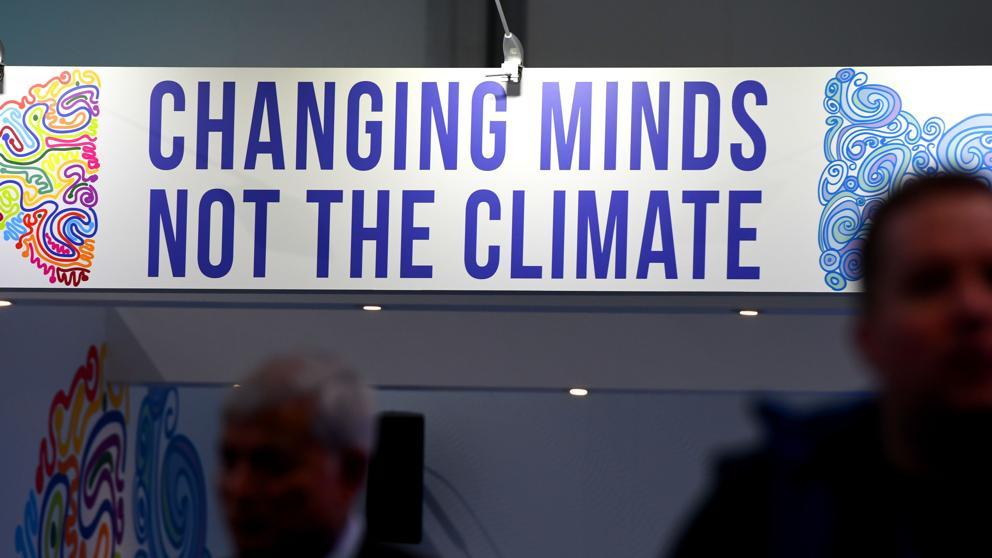 La UE, camino de incumplir el Acuerdo de París tras el frenazo a las renovables