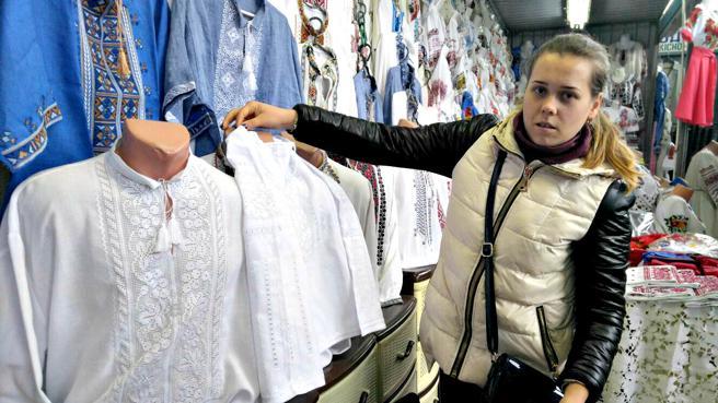 Los vestidos de boda al estilo tradicional ucraniano se han vuelto a poner de moda