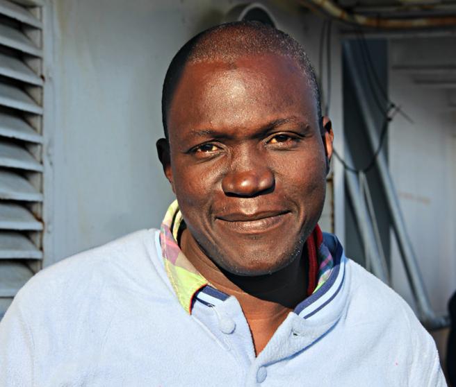 Mohamed, refugiado guineano de 27, a bordo del 'Golfo Azzurro'