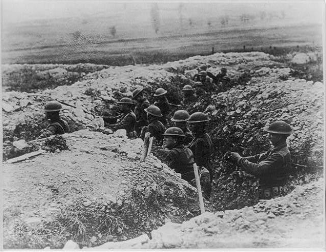 Fotografía de archivo de una trinchera en Francia en 1918