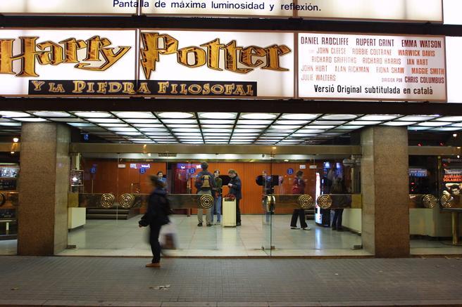 Imagen de archivo de un cine proyectando 'Harry Potter y la piedra filosofal'