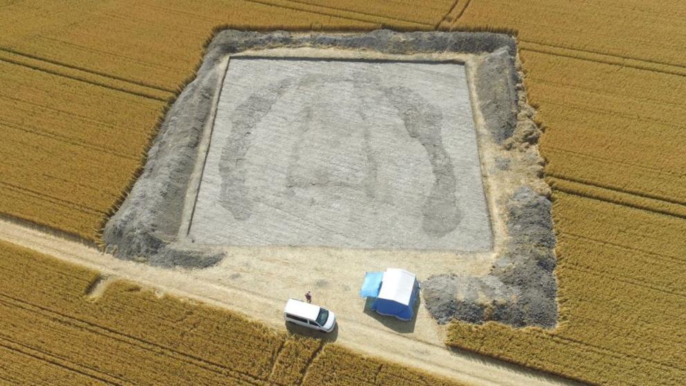 """Los 'padres' de Stonehenge yacen en una """"casa de los muertos"""" de 5.000 años de antigüedad"""