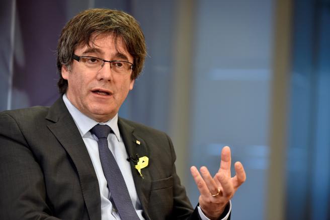 Primer plano de Carles Puigdemont en una entrevista en Bruselas