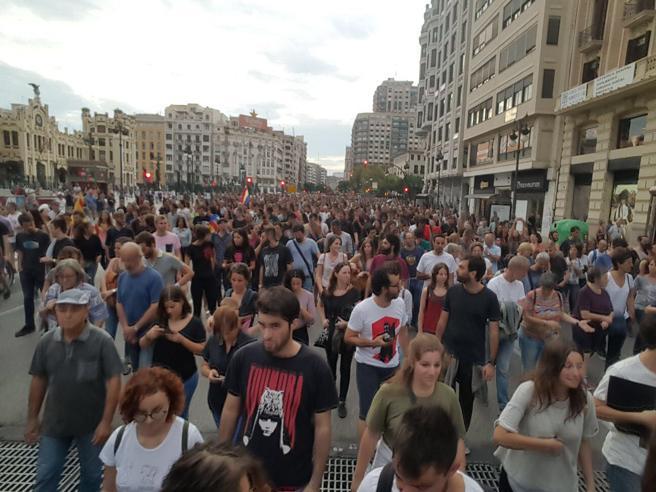 Manifestación en València en apoyo del referéndum de Catalunya