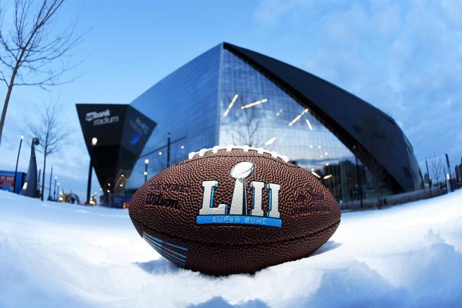 El óvalo de la 52.º Super Bowl ante el estado que acoge la cita, en Minneapolis