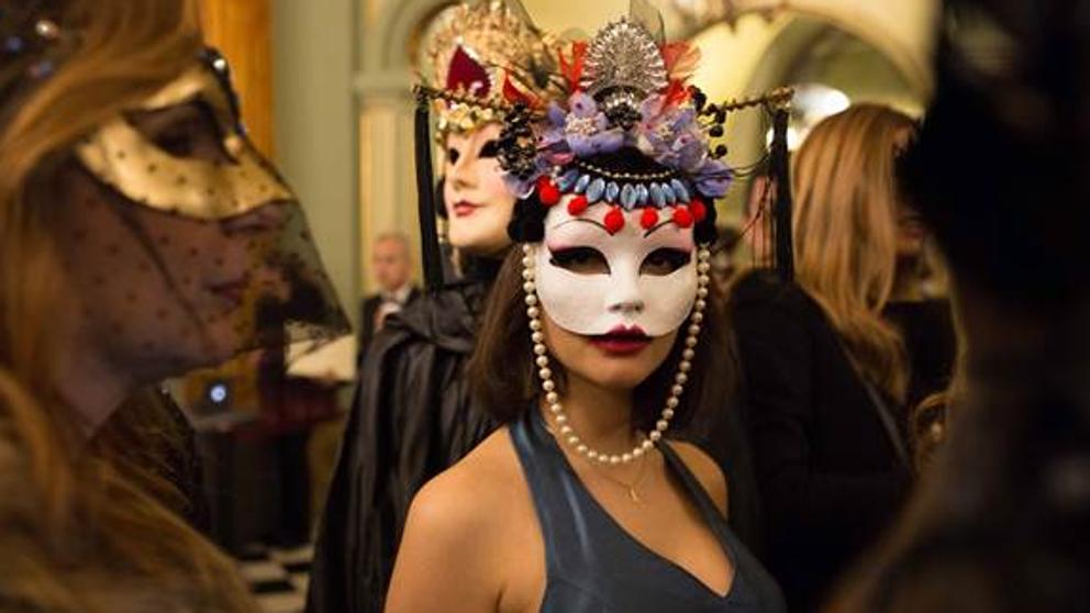 El Liceu celebra un gran Baile de Máscaras ambientado en la Barcelona del siglo XIX
