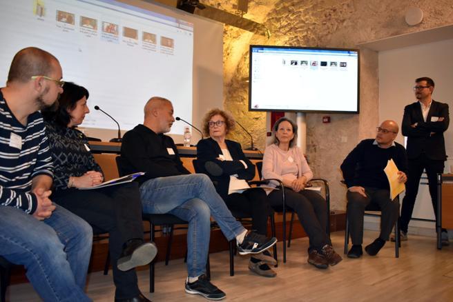 Mesa redonda celebrada tras la presentación del proyecto de La Consulta