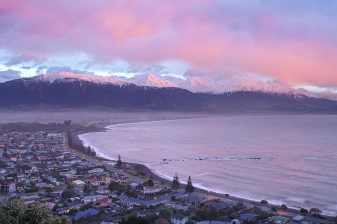 Playa de Kaikoura al atardecer (Nueva Zelanda)