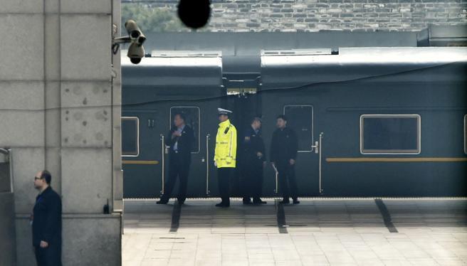 El tren que transporta a Kim Jong Un no puede pasar de los 60 km/h