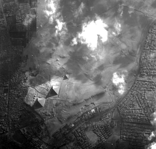 Imagen de vista aérea de la Pirámide de Guiza en Egipto, captado por el microsatélite Proba-1 de la ESA.