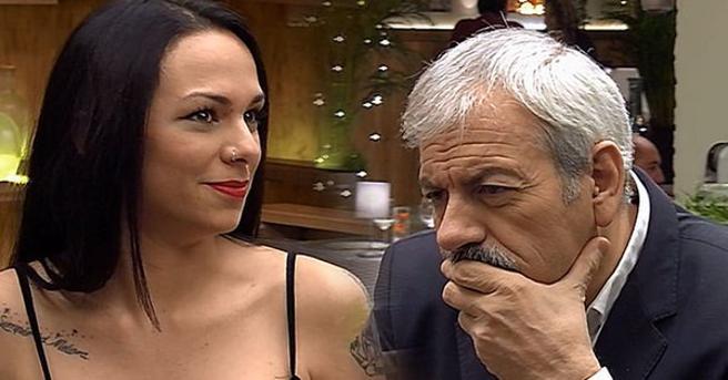 Ana María le habla a Carlos Sobera sobre aliens en 'First Dates'