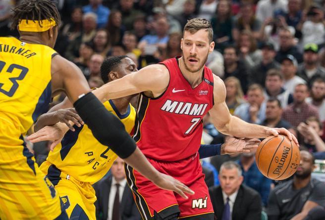 Los Heat y los Hawks se verán las caras por segunda noche consecutiva.
