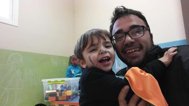 Aleix Merino, con su padre en Mataró