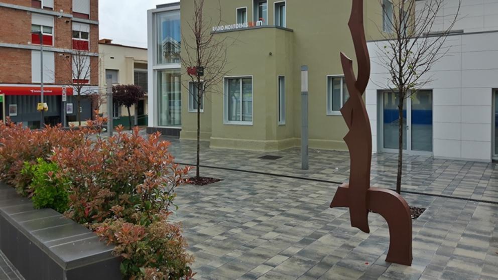 Resultado de imagen de plaça de laRepública a Montornès del valles