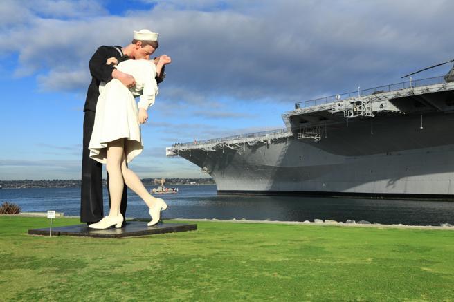 Interpretación de la imagen de Alfred Eisenstaedt en el embarcadero de San Diego (EE.UU.)