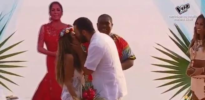 'Supervivientes': Alberto Isla e Isa Pantoja se besan tras contraer matrimonio