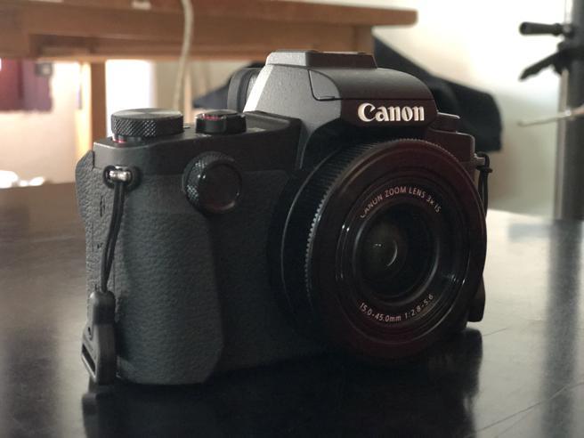 La Canon G1 X es una compacta que sorprende por la miniaturización de sus componentes y la calidad de su objetivo.